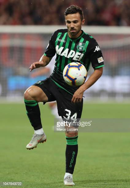 Federico Di Francesco of US Sassuolo in action during the Serie A match between US Sassuolo and AC Milan at Mapei Stadium Citta' del Tricolore on...