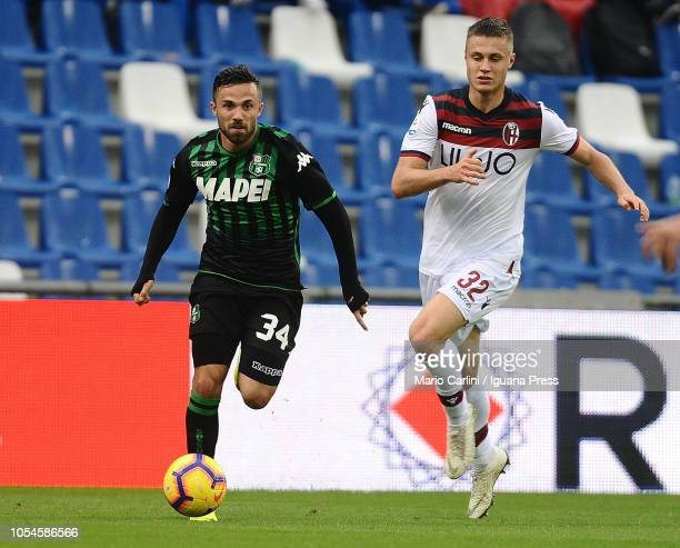 Federico Di Francesco of US Sassuolo in action during the Serie A match between US Sassuolo and Bologna FC at Mapei Stadium Citta' del Tricolore on...