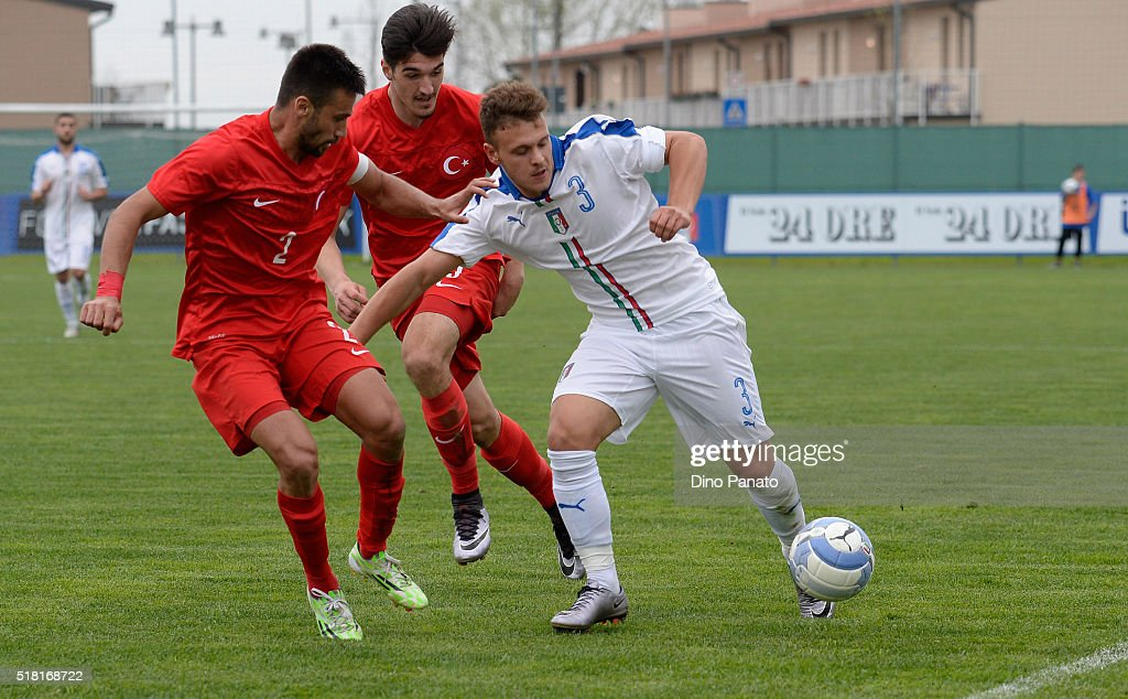 Italy v Turkey- UEFA European U19 Championship Elite Round : News Photo
