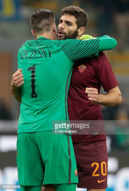 Federico Fazio of AS Roma celebrates the victory with his teammate Wojciech Szczesny during the Serie A match between FC Internazionale and AS Roma...