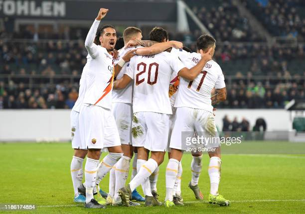 Federico Fazio of AS Roma celebrates with Chris Smalling and team mates after scoring his sides first goal during the UEFA Europa League group J...
