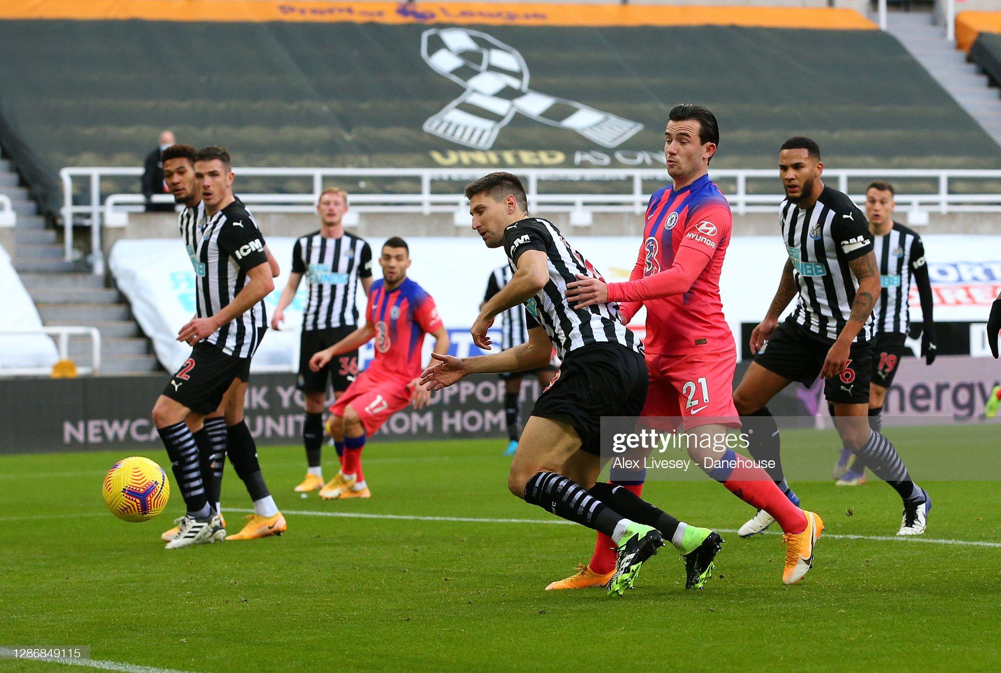 Newcastle United v Chelsea - Premier League : News Photo