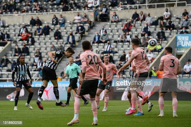 Federico Fernández of Newcastle United FC heads the ball during the Premier League match between Newcastle United and Sheffield United at St. James...
