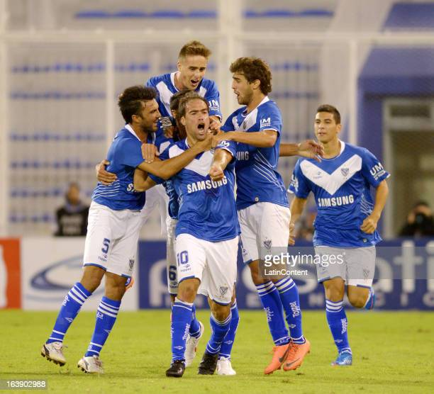 Federico Insua center of Velez Sarsfield celebrates his goal with team mates during a match between Estudiantes and Velez as part of AFA Torneo...