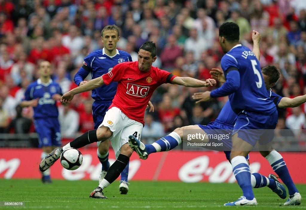 Manchester United v Everton - FA Cup Semi Final : News Photo