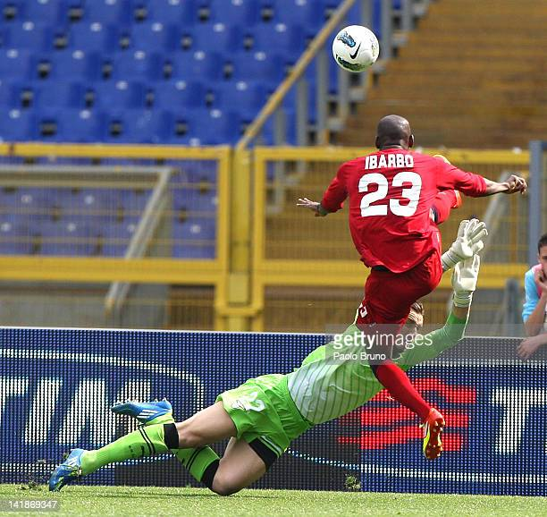 Federico Marchetti goalkeeper of SS Lazio competes for the ball with Victor Ibarbo of Cagliari Calcio during the Serie A match between SS Lazio and...