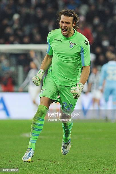 Federico Marchetti of SS Lazio celebrates after the equalising goal scored by Stefano Mauri during the TIM cup match between Juventus FC and SS Lazio...