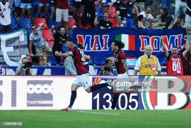 Federico Santander of Bologna FC celebrates after scoring his team's second goal during the serie A match between Bologna FC and AS Roma at Stadio...