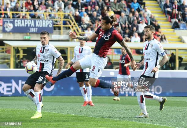 Federico Santander of Bologna FC kicks the ball towards the goal during the Serie A match between Bologna FC and Cagliari at Stadio Renato Dall'Ara...