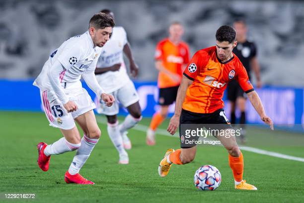 Federico Valverde of Real Madrid and Manor Solomon of FC Shakhtar Donetsk battle for the ball during the UEFA Champions League Group B stage match...