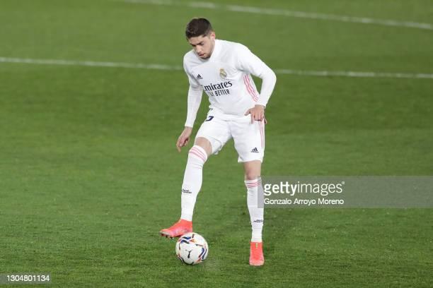 Federico Valverde of Real Madrid CF controls the ball during the La Liga Santander match between Real Madrid and Real Sociedad at Estadio Alfredo Di...