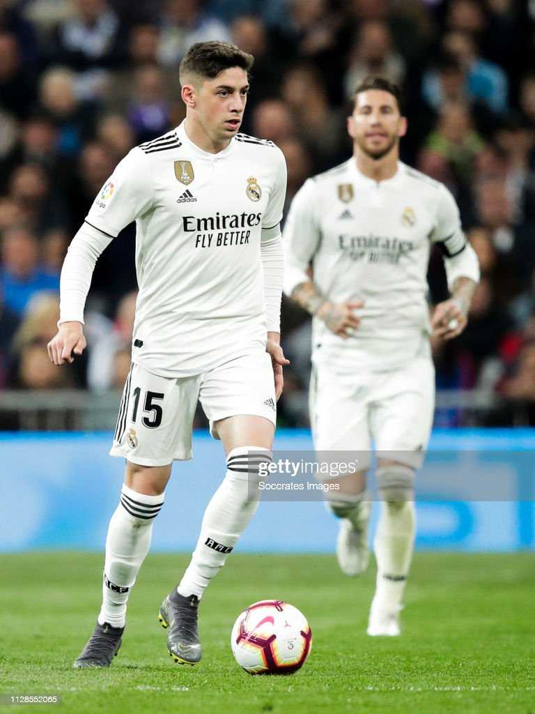 ¿Cuánto mide Fede Valverde? - Altura - Real height Federico-valverde-of-real-madrid-during-the-la-liga-santander-match-picture-id1128552065