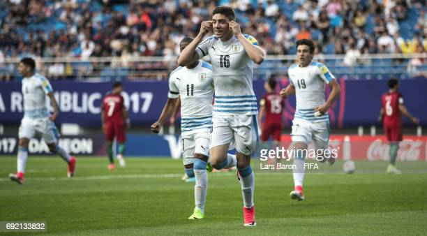Federico Valverde of Uruguay celebrates with team mates after scoring his teams second goal during the FIFA U20 World Cup Korea Republic 2017 Quarter...