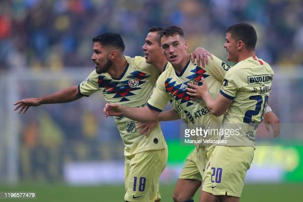 Federico Viñas of America celebrates the first scored goal of America with his teammates during the Final second leg match between America and...