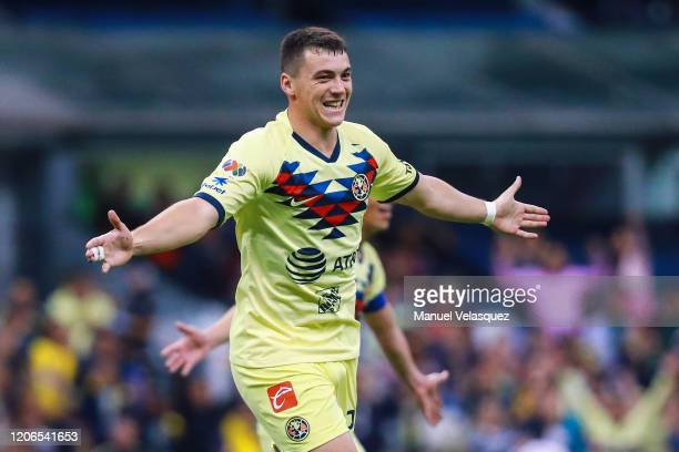 Federico Viñas of America celebrates the first scored goal of America during the 6th round match between America and Atlas as part of the Torneo...