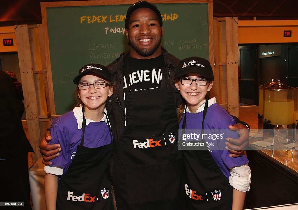FedEx enlisted Washington Redskins running back Alfred Morris to run a lemonade stand with Junior Achievement students in the Super Bowl XLVII Media Center, one of the most highly-trafficked venues of the Super Bowl city. The event celebrated the 10th season of the FedEx Air & Ground NFL Players of the Year awards and allowed the students to run their first business.