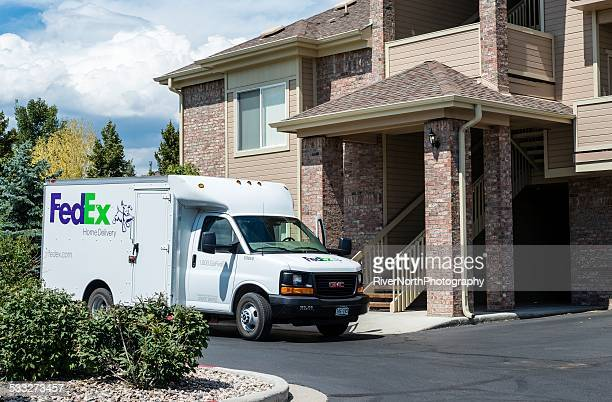 fedex - fedex truck stock pictures, royalty-free photos & images