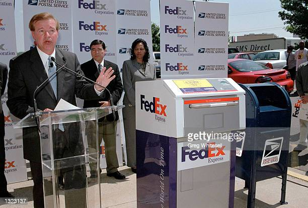 FedEx President and CEO David J Bronczek speaks at the announcement of FedEx and the US Postal Service''s business aggreement June 19 2001 in...
