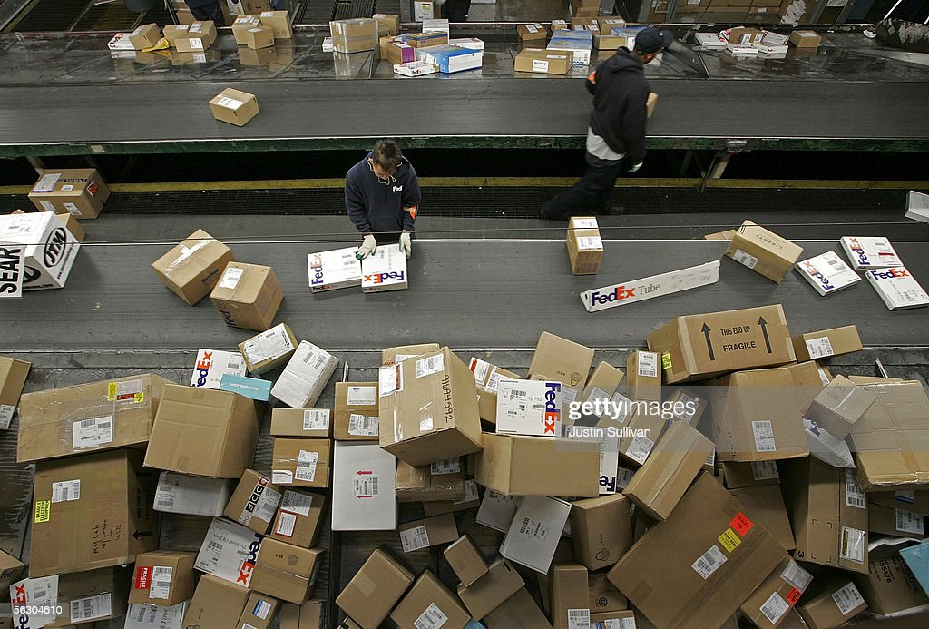 UPS And FedEx Deliver Packages As Holiday Shopping Season Begins : News Photo