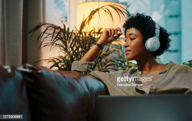 feeling bored? technology can take care of that - multimedia stock pictures, royalty-free photos & images