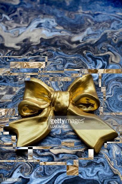 feestelijk ontwerp met gouden accessoire. - ontwerp stock pictures, royalty-free photos & images