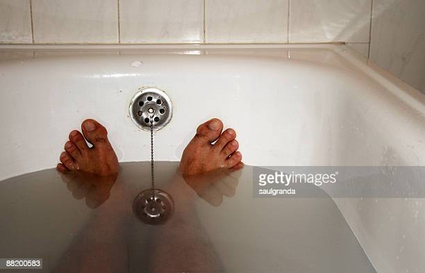 Feet in tub