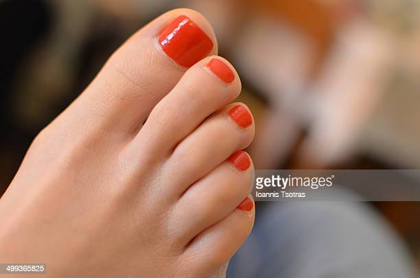 feet toes - pretty toes and feet stock photos and pictures