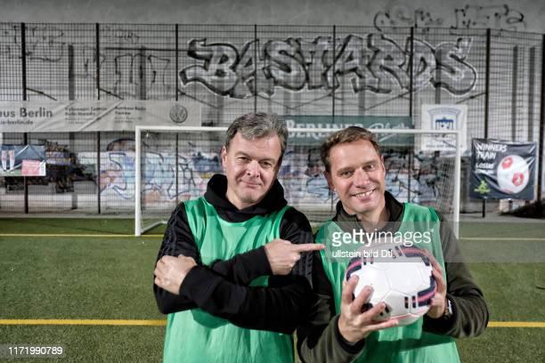 Feierabend mit Deezer Vorstand HansHolger Albrecht Fußball in Berlin Mitte