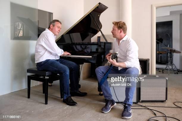 Feierabend mit FleuropChef Dr Stefan Gegg im Tonstudio Mainberlin mit Steffen Fründt