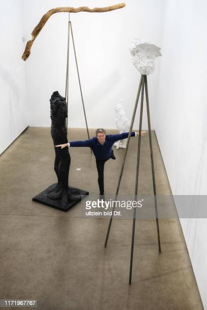 Feierabend mit Henri Seydoux Gründer und CEO von Parrot Ort Galerie Eigen Art in der Auguststraße