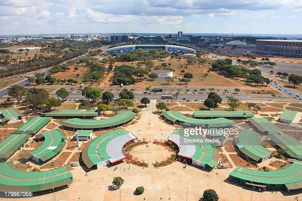 Feira da Torre em primeiro plano, ao fundo Centro de Convenções, Ulisses Guimarães , Estádio Mané Garrincha e o Ginásio de Esportes, Nilson Nelson....