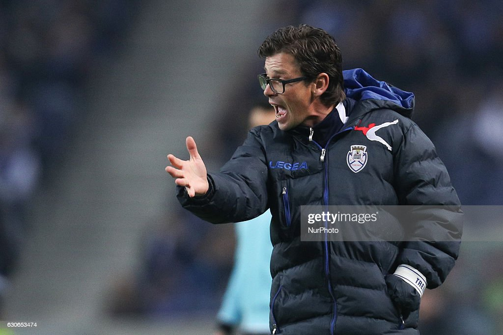 Feirense's Portuguese head coach Nuno Manta Santos during the League Cup 2016/17 match between FC Porto and CD Feirense, at Dragao Stadium in Porto on December 29, 2016.