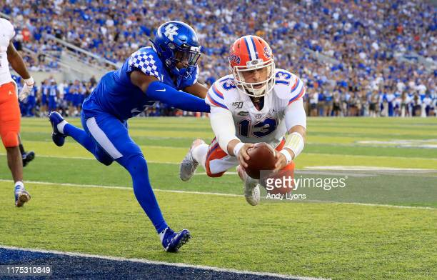 Feleipe Franks of the Florida Gators dives for the goal line against the Kentucky Wildcats at Commonwealth Stadium on September 14 2019 in Lexington...