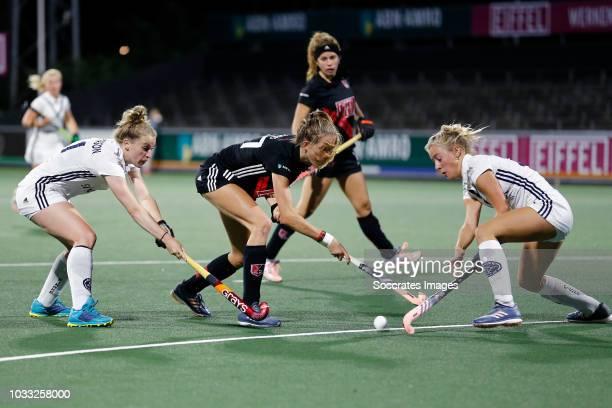 Felice Albers of Amsterdam Dames 1 Cecile Knuvers of Pinoke Dames 1 during the Hoofdklasse Women match between Amsterdam v Pinoke at the Wagener...