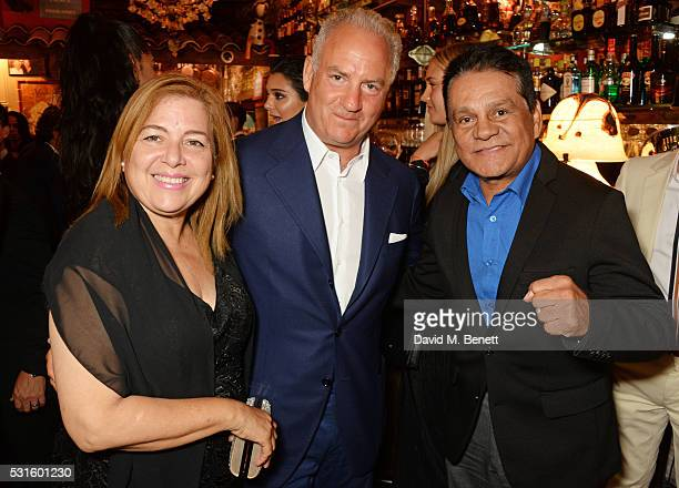 Felicidad Duran Iglesias Charles Finch and Roberto Duran attend a starstudded dinner hosted by DEAN DELUCA Harvey Weinstein Charles Finch to...