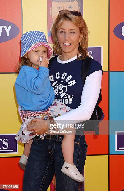 Felicity Huffman and daughter Sofia Grace at the Market Street in Venice California