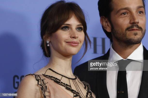 Felicity Jones and Diego Luna pose in the press room of the 74th Annual Golden Globe Awards, Golden Globes, in Beverly Hills, Los Angeles, USA, on 08...
