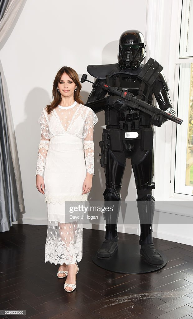 Felicity Jones attends the 'Rogue One: A Star Wars Story' photocall at The Corinthia Hotel on December 14, 2016 in London, England.