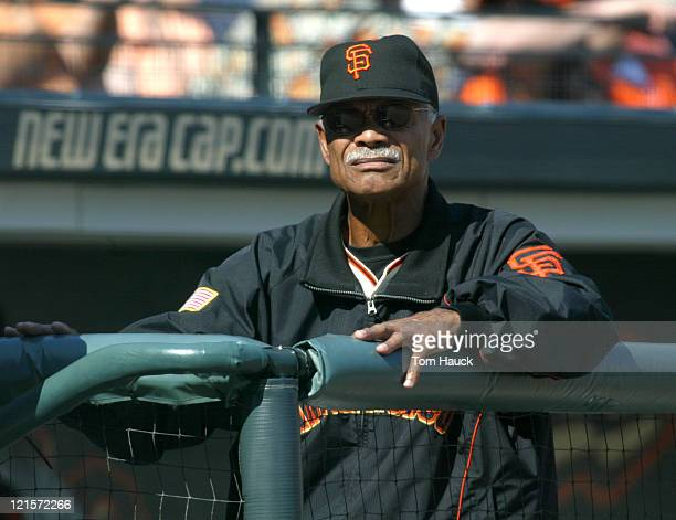 Felipe Alou Manager of the San Francisco Giants looks on during the NLDS Game 1 at Pac Bell Park in San Francisco Ca