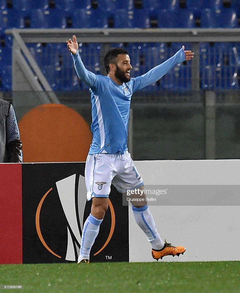 Felipe Anderson of SS Lazio celebrates after scoring the goal 2-0 during the UEFA Europa League Round of 32 second leg match between SS Lazio and Galatasaray AS on February 25, 2016 in Rome, Italy.