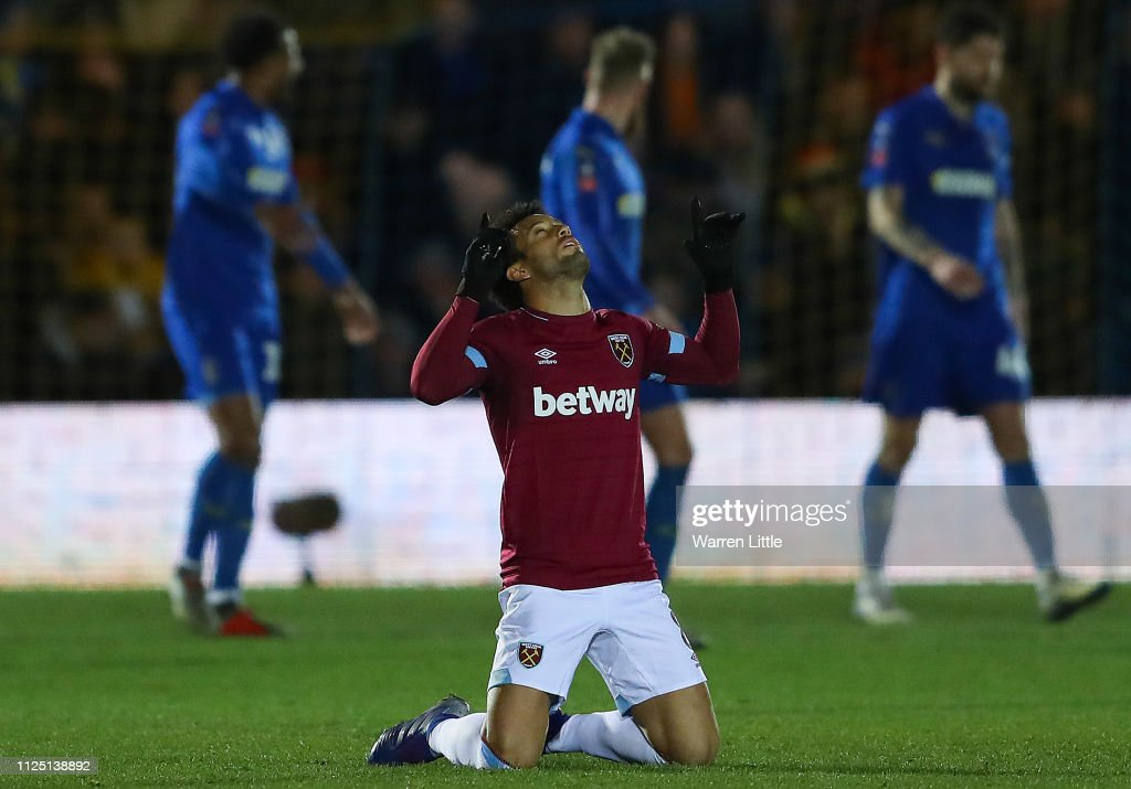 AFC Wimbledon v West Ham United - FA Cup Fourth Round : News Photo