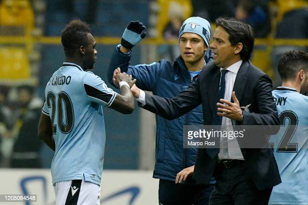 Felipe Caicedo celebrates a opening goal with head coach Simone Inzaghi of during the Serie A match between Parma Calcio and SS Lazio at Stadio Ennio...