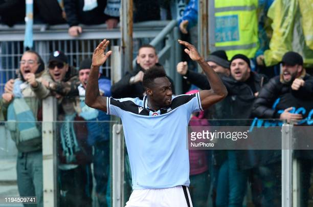 Felipe Caicedo celebrates under the Curva Nord after scoring goal 20 during the Italian Serie A football match between SS Lazio and UC Sampdoria at...