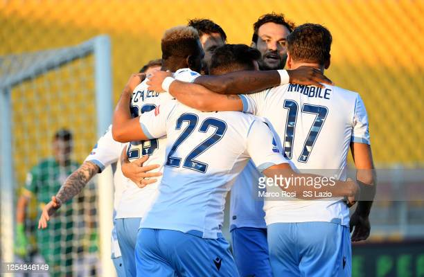 Felipe Caicedo of SS Lazio celebrate a opening gaol with his team mates during the Serie A match between US Lecce and SS Lazio at Stadio Via del Mare...