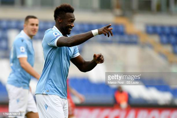 Felipe Caicedo of SS Lazio celebrate a opening gaol with his team mates during the Serie A match between SS Lazio and ACF Fiorentina at Stadio...