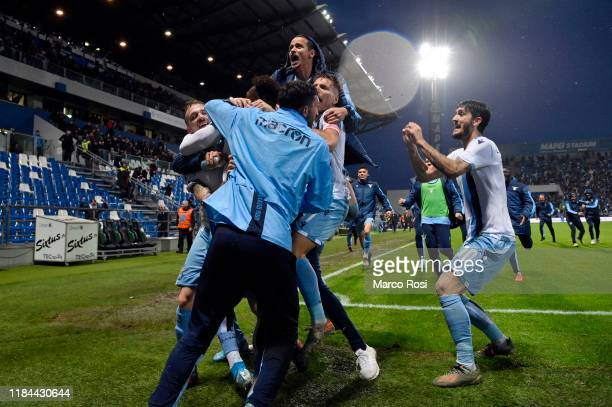 Felipe Caicedo of SS Lazio celebrate a second goal with his team mates during the Serie A match between US Sassuolo and SS Lazio at Mapei Stadium...