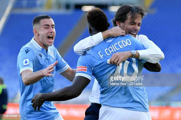 Felipe Caicedo of SS Lazio celebrates scoring the first goal with SS Lazio head coach Simone Inzaghi during the Serie A match between SS Lazio and...