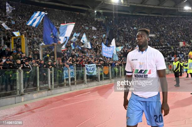 Felipe Caicedo of SS Lazio celebrates victory after the TIM Cup Final match between Atalanta BC and SS Lazio at Stadio Olimpico on May 15 2019 in...