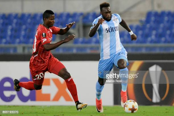 Felipe Caicedo of SS Lazio compete for the ball with Idrissa Doumbia during the UEFA Europa League group K match between SS Lazio and SV Zulte...