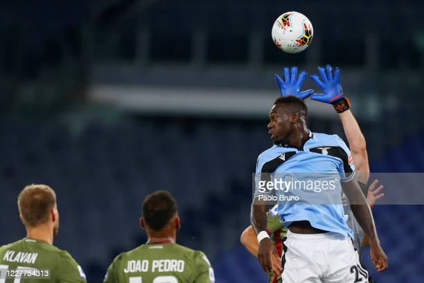 Felipe Caicedo of SS Lazio competes for the ball with Cagliari Calcio players during the Serie A match between SS Lazio and Cagliari Calcio at Stadio...